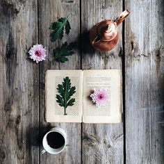 Hello coffee or tea lovers !!! Today the feature is by @stefiinstax We love going through all of your pictures tagged #coffeeandseasons or #teaandseasons  So many great compositions !  Congrats Stefania  for this beautiful  picture !!! Thank You for sharing  Selected by: @marieinmay by coffeeandseasons