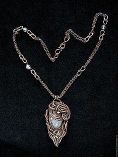 """Купить """"Skadi, богиня зимы"""" кулон - кулон с кварцем, кулон натуральный камень, двусторонний кулон"""
