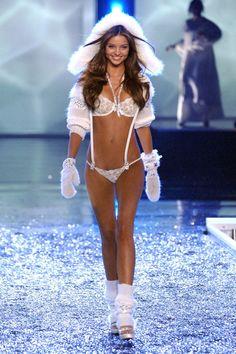 Miranda Kerr - Victoria's Secret Show 2006