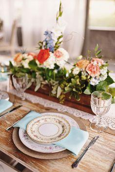 EDEN INGLE PHOTO | Nashville Wedding Photographer | Drakewood Farm vintage tablescape