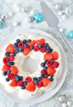 Christmas wreath pavlova - Kerstkrans pavlova - Laura's Bakery