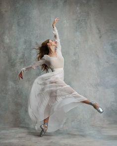 Silver pointe shoes... Isabella Boylston, American Ballet Theatre ♥ www.thewonderfulworldofdance.com #ballet #dance