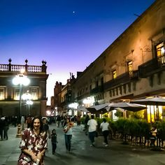 #sanluispotosi #Mexico #Tamaulipas #city #street #people #travel #traveling #visiting #instatravel #instago #tourist #tourism #group #shopping #town #architecture #outdoors #urban #crowd #road #daylight #building #market #evening