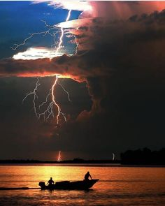 Credit to the owner Lightning Photography, Nature Photography, Ciel, Wonders Of The World, Mother Nature, Scenery, Earth, Clouds, Adventure