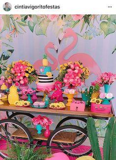Cumple de Abril Flamingo Party, Flamingo Decor, Flamingo Birthday, 13th Birthday Parties, Luau Birthday, Tropical Party, Super Party, Luau Party, Birthday Decorations