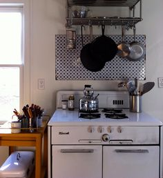 There's a similar pink vintage stove at #parisonponce... It's not for sale... Wompwomp