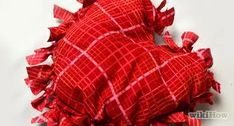 How to Sew Bench Cushions. Making a bench cushion without zippers or Velcro can be done in the space of an afternoon or evening. This method insures a crisp, sturdy cushion cover that's easily removable for cleaning. Make A Bean Bag Chair, How To Make A Bean Bag, How To Make Pillows, Bolster Pillow, Pillow Cases, Yoga Bolster, Throw Pillows, Diy Cushion, Cushion Covers