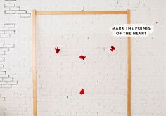 DIY heart backdrop | designlovefest Valentine Theme, Valentine Decorations, Flower Decorations, Valentines, Photo Backdrop Stand, Anniversary Parties, Diy Art, Backdrops, Diy Projects
