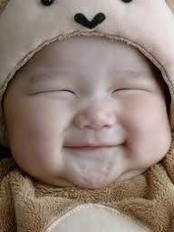 Bebe zâmbeşte