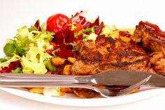 Refeição balanceada não é dieta para engordar ou emagrecer e nem é o que se come quando se está doente.    Mais receitas em: http://www.receitasdemae.com.br/receitas/refeicao-balanceada-nao-e-dieta/