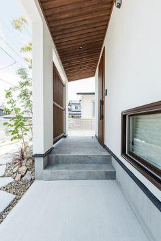 【アイジースタイルハウス】玄関。木の香りいっぱいの玄関