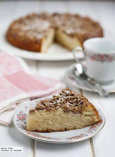 No suelo usar mucho la pera para preparar bizcochos, pero cuando me explicaron esta receta de cake de peras y nueces en casa de una amiga después ...