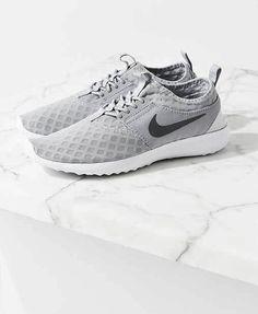 Nike Juvenate. Hier entdecken und shoppen: http://sturbock.me/kDQ