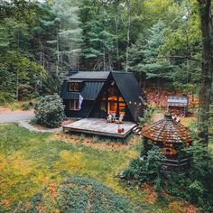 So stoked to be heading back to in the Catskills this weekend for sizzling cookouts, summer drinks and late night campfires. Cabins In The Woods, House In The Woods, A Frame House, Forest House, Cabins And Cottages, Tiny House Design, Cabin Homes, Home Fashion, My Dream Home