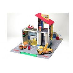 Buy online Krooom Willson Brothers Garage Playset at best prices at Lyallway. Right choice for Online Shopping for Krooom products, friendly customer service a Cardboard Box Crafts, Cardboard Toys, Kids Toys Online, Boys Online, Lego Boat, Toy Garage, Pompe A Essence, Eco Friendly Toys, Imaginative Play