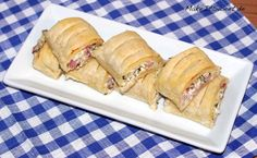 Einfache Haeppchen Rezept mit Schinken Frischkaese Petersilie und Blaetterteig