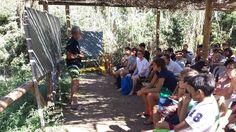 Il nostro capo istruttore Rodolfo davanti alla lavagna. #camposcuola #Ventotene
