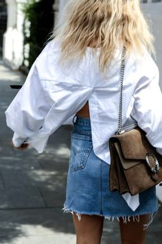 Denim skirt | White blouse | Gucci bag | Streetstyle | More on Fashionchick.nl