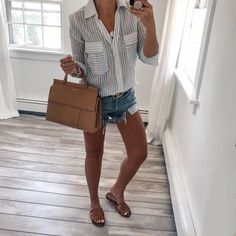casual summer fashion with Blogger Sarah Lindner of The House of Sequins