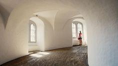 La chica y la curva by Anna Schwensen on 500px