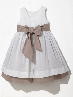 cortège cyrillus 59 EUROS - A pretty way to underline a white dress Little Dresses, Little Girl Dresses, Cute Dresses, Girls Dresses, Little Girl Fashion, Toddler Fashion, Kids Fashion, Toddler Dress, Baby Dress