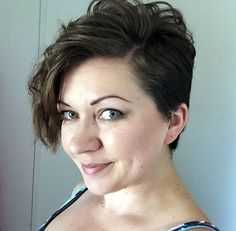 side-parted pixie with long bangs//curly&wavy pixie cuts