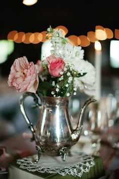 18 Vintage Teapot And Teacup Wedding Ideas ❤ See more: http://www.weddingforward.com/vintage-teapot-and-teacup-wedding-ideas/ #weddings