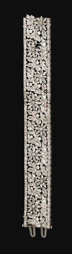 Bracelet, 1915, France.