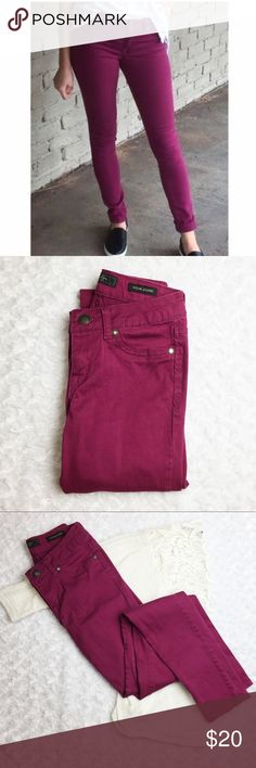 "Jessica Simpson Kiss Me Jeggings size 25 regular These beautiful wine colored jeggings are so flattering! Excellent condition! Soft and super stretchy. Size 25 regular. Inseam measures 30"", flat waist measures 11.5"". Jessica Simpson Jeans"
