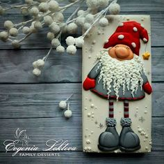 Winter Gnome Idea for a wooden plack Christmas Clay, Christmas Sugar Cookies, Christmas Cupcakes, Christmas Sweets, Christmas Goodies, Holiday Cookies, Christmas Baking, Gingerbread Cookies, Christmas Crafts