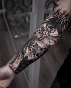 Good night guys, tattoo that happened in just one session, available in April agenda. April agenda o Wolf Eye Tattoo, Wolf Girl Tattoos, Wolf Tattoo Forearm, Tribal Wolf Tattoo, Wolf Tattoo Design, Grey Tattoo, Tribal Tattoos, Black Tattoos, Body Art Tattoos