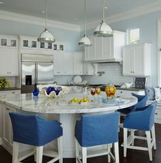 Large kitchen island with rounded end. House of Turquoise: JMA Interior Decoration Kitchen Island With Seating For 4, Round Kitchen Island, New Kitchen, Kitchen Ideas, Kitchen Counters, Kitchen Islands, Kitchen Cabinets, Floors Kitchen, Narrow Kitchen