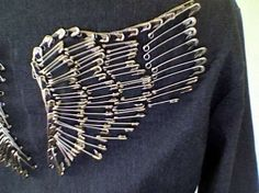 Wings made with safety pins tutorial. I want to pin a pair onto a recycled denim jeans tote bag I just made. Would look great on the back of a jacket also!