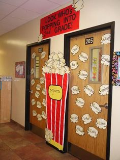 January classroom door ideas back to school 41 Ideas for 2019 Popcorn Theme Classroom, Classroom Welcome, Classroom Door, Future Classroom, Classroom Themes, Movie Classroom, Seasonal Classrooms, 2nd Grade Classroom, Preschool Classroom