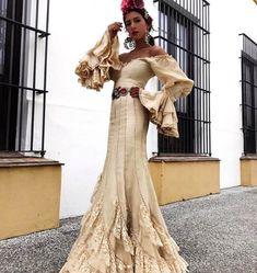 Spanish style – Mediterranean Home Decor Spanish Fashion, Spanish Style, Flamenco Wedding, Flamenco Costume, Spanish Wedding, Boho Wedding Dress, Couture Dresses, Traditional Dresses, Designer Dresses