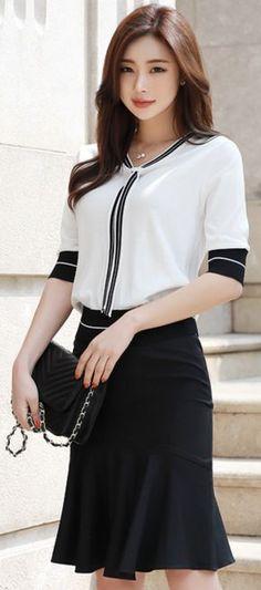 StyleOnme_Mermaid Hem Midi Skirt #black #mermaid #flounced #midi #skirt #feminine #koreanfashion #kstyle #kfashion #springtrend #dailylook