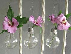I love this idea! Recycling Light bulbs Into Beautiful Hanging Vases Light Bulb Vase, Hanging Light Bulbs, Hanging Vases, Bud Vases, Lamp Bulb, Diy Hanging, Recycled Light Bulbs, Light Bulb Crafts, Lighted Wine Bottles