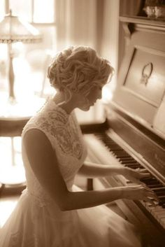 I will have senior pictures with a piano.