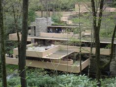 Fallingwater celebrates its anniversary this year. Great Buildings And Structures, Modern Buildings, Modern Houses, Architecture Images, Modern Architecture House, Falling Water House, Falling Waters, Falling Water Frank Lloyd Wright, Frank Lloyd Wright Buildings