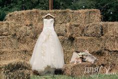 В оформлении свадьбы мы использовали сено #wedding #rusticwedding #dlyadvoih #weddingagency