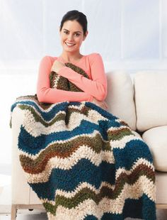 Couverture à motif ondulé Spa jardin Homespun Thick & Quick (Crochet)