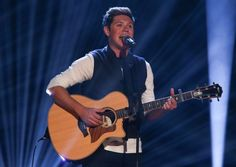 """Former One Direction Niall Horan appeared on BBC One's The Graham Norton Show and performed his debut song """"This Town""""."""