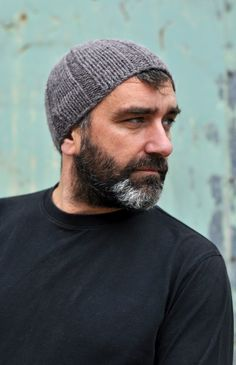 Woolly Wormhead - Ribbed Beanie - free mens Hat knitting pattern
