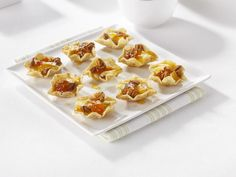 Create the tastiest Brie & Pecan Bites, Tostitos® own Baked Brie Bites with step-by-step instructions. Make the best Baked Brie Bites for any occasion. Dip Recipes, Appetizer Recipes, Easiest Appetizers, Free Recipes, Vegan Recipes, Oh She Glows Cookbook, Brie Bites, Potato Crisps, Cooking