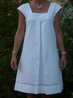 Tucked pleat instead of gathers Dress H from Stylish Dress Book Volume 1 # 2 - Rue des Mures - Claudine Fessemaz - - Dans ma valise, il y aura… – Rue des Mures So, to accompany my wedding Victoria, I needed a wedding dress. Combine Jewelry With Cloth Stylish Dresses, Simple Dresses, Casual Dresses, Summer Dresses, Summer Clothes, African Fashion Dresses, Fashion Outfits, Stylish Dress Book, Linen Dresses