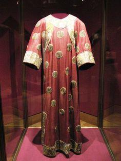 Eagle Dalmatic, Holy Roman Empire (ca. 1140; silk, linen, gold thread).
