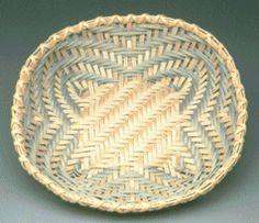 continuous weave baskets | Cheryl Christenson's Miniature Woven Baskets -- Miniature Ash Baskets