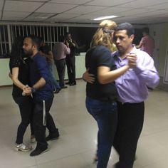 Y comenzaron los #JUEVESAMIL Bailando #Bachata #Kizomba #Merengue #Salsa #SalsaCasino