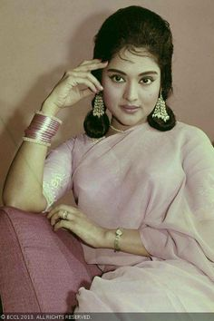 Vyjayanthimala was the reigning actress of 50s and 60s Indian cinema, who made her debut at the tender age of thirteen in Tamil movie Vazhkai (1949). Bahar and Ladki were some of her initial Hindi films.