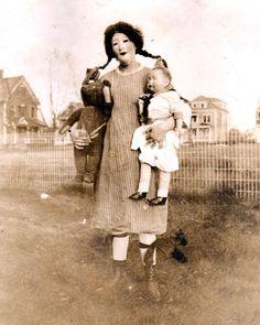 Creepy Vintage Halloween Costumes — 9